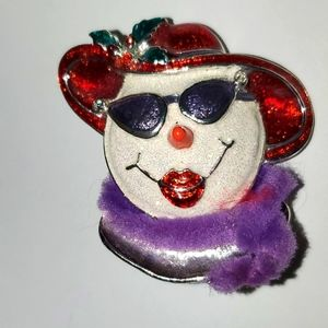 Red Hat Snow-Woman Brooch/Pin